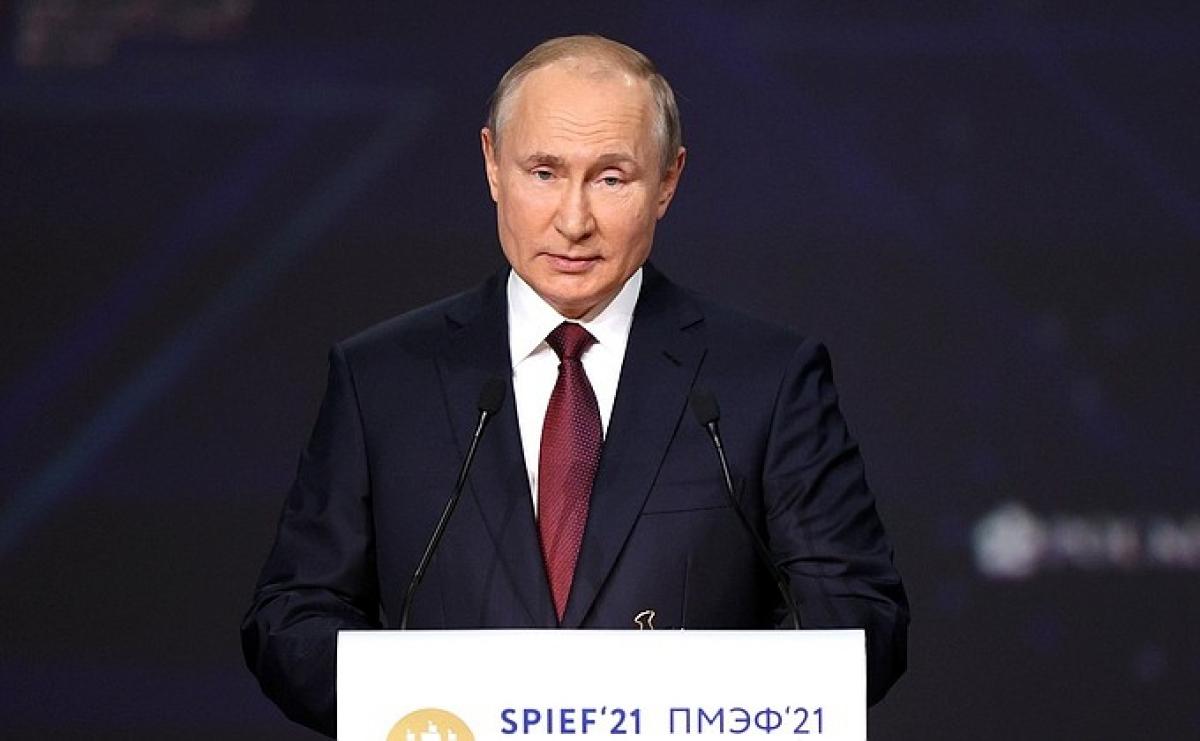 Tổng thống Nga V.Putin phát biểu tại Diễn đàn kinh tế quốc tế S.Petersburg (Ảnh:Kremlin.ru).