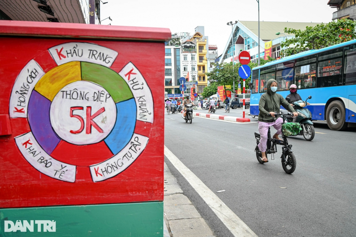 The 5K message also features on the paintings on the electricity boxes.