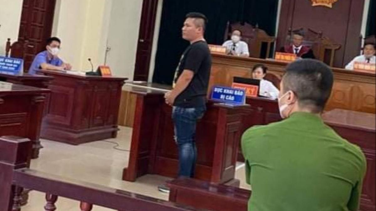 Đối tượng Lưu Tuấn Nghĩa bị tuyên phạt 18 tháng tù, cho hưởng án treo về tội chống người thi hành công vụ