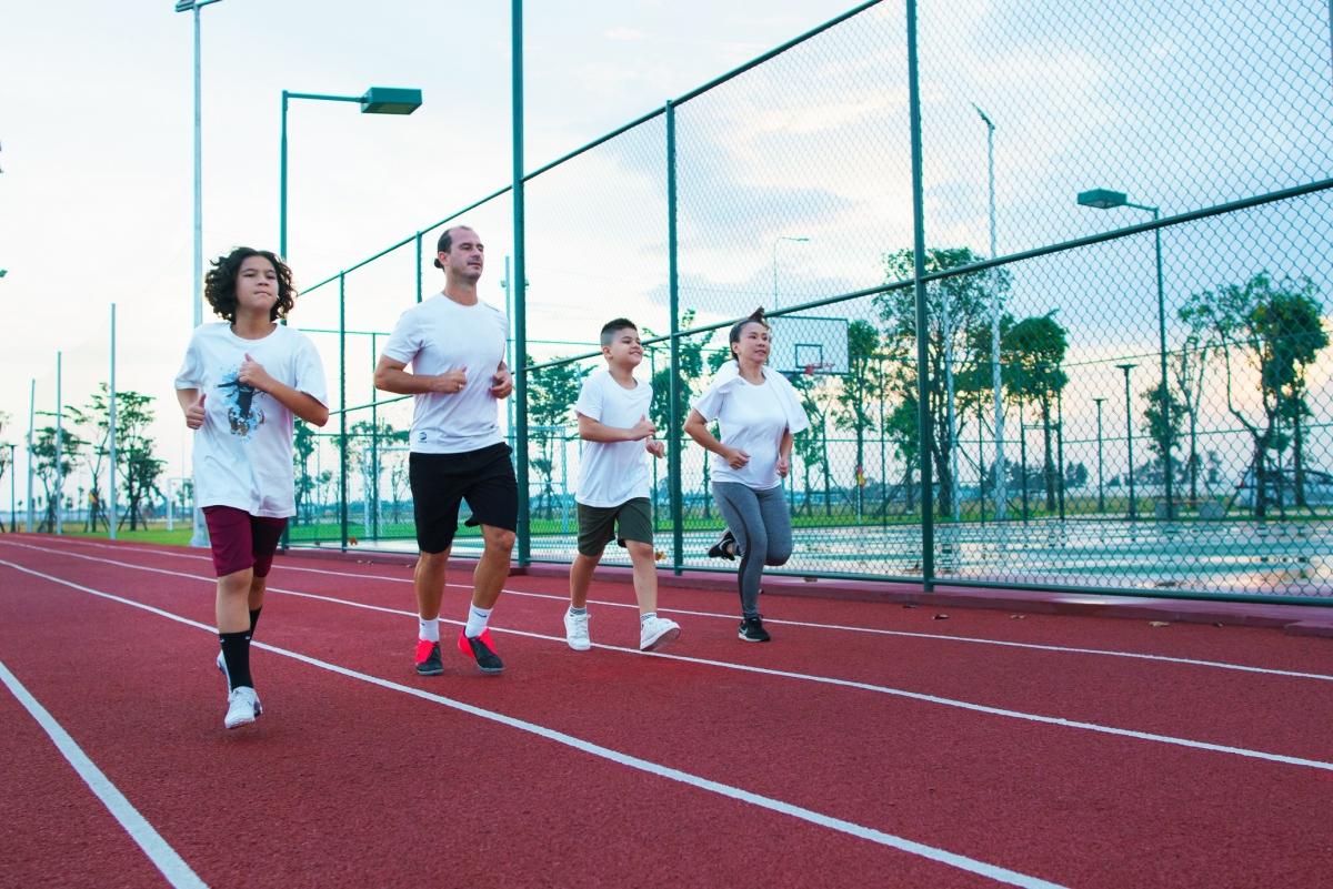 Tiện ích thể thao tại Aqua City, NTK cho biết tập thể thao cùng nhau cũng là cách gia đình chị gắn kết các thành viên. (Nguồn ảnh: Internet)