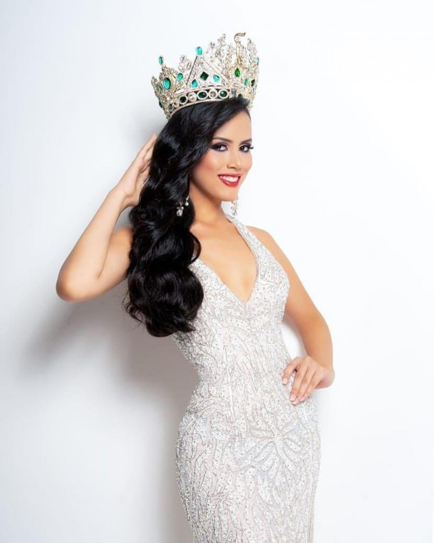 Trên fanpage của Miss Grand International, nhiều thành viên mạng khen cô có nét đẹp Latin quyến rũ.
