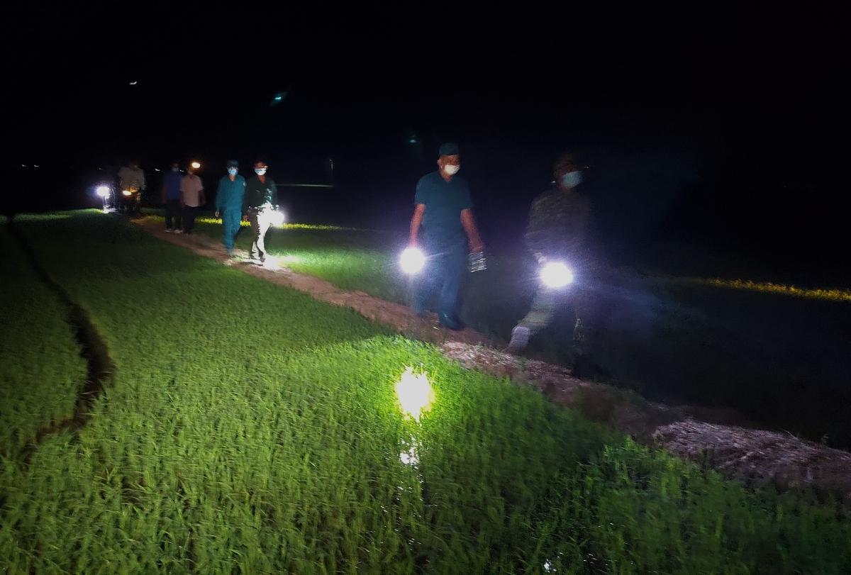 Hiện nay, 11/14 xã, thị trấn ở An Phú còn thành lập 26 tổ tuần tra lưu động vào ban đêm. Mỗi tổ từ 10 đến 12 người.