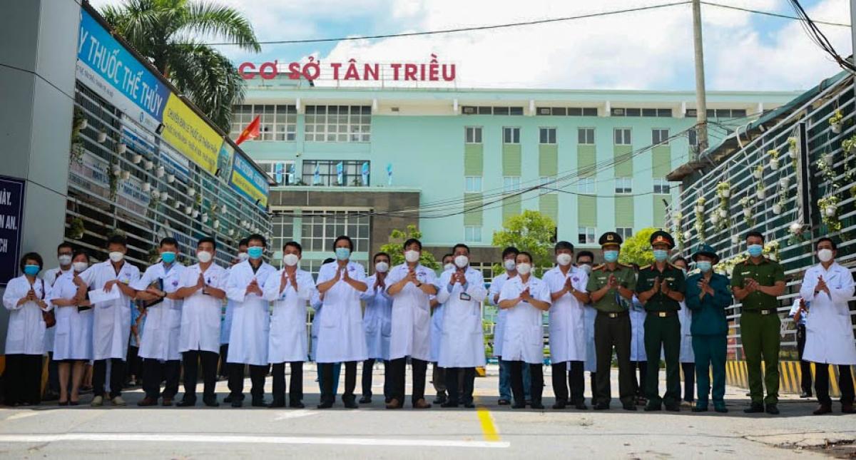Hình ảnh dỡ bỏ phong tỏa bệnh viện K cơ sở Tân Triều - ảnh 1