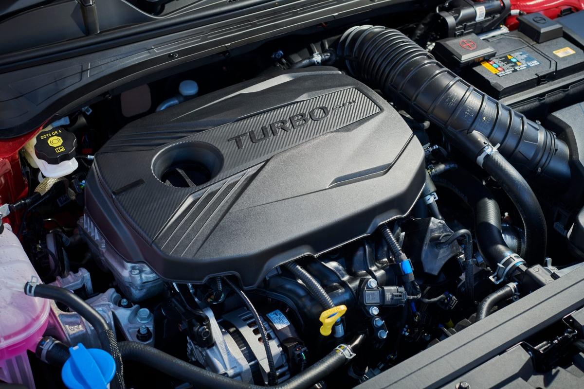 Những mẫu Kia Cerato S, Sport và Sport+ 2022 đều được trang bị động cơ 4 xi lanh hút khí tự nhiên 2.0 L với công suất 150 mã lực và mô men xoắn 192 Nm.