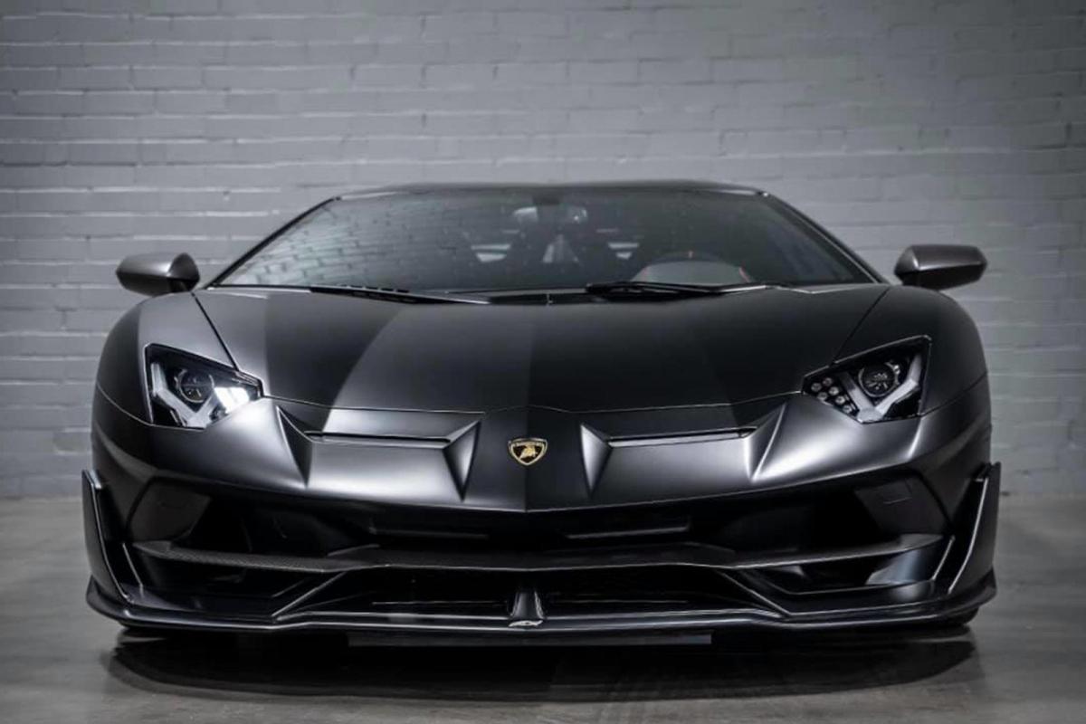 Nguyên bản, Lamborghini Aventador SVJ sử dụng động cơ V12 hút khí tự nhiên, sản sinh 770 mã lực và 720Nm mô-men xoắn. Xe có khả năng tăng tốc 0 - 100 km/h trong 2,8 giây, đạt 200 km/h trong 8,6 giây và tốc độ tối đa được giới hạn ở 350 km/h.