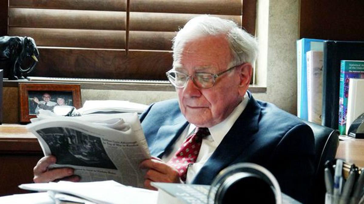 Ông ham đọc sách, và dành nhiều thời gian trong ngày để đọc các loại sách, báo. Ông đọc ít nhất 50 trang mỗi ngày.