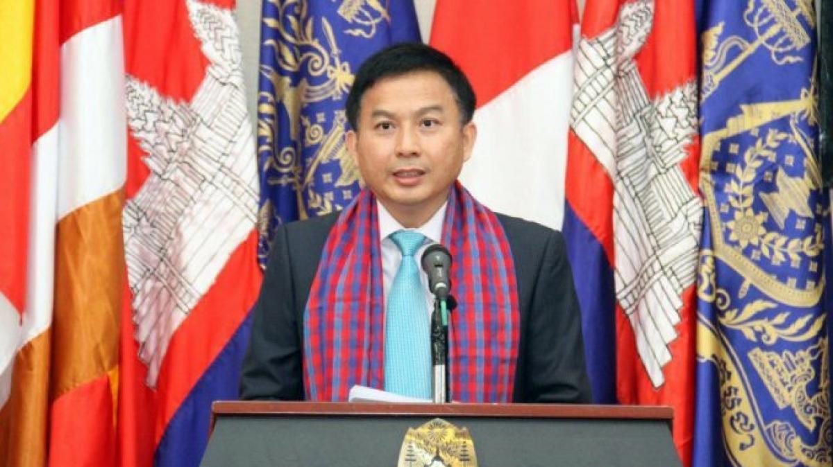 Tổng cục trưởng Tổng cục Dầu khí thuộc Bộ Mỏ và Năng lượng Campuchia ông Chiep Sour.