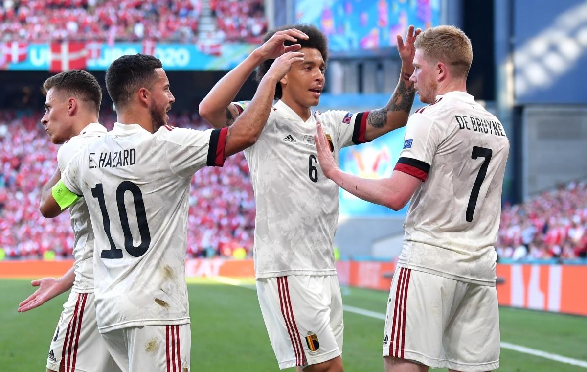 Khi trận đấu trở lại, ĐT Bỉ đã vượt qua những khó khăn khi bị dẫn từ sớm để giành chiến thắng 2-1, qua đó giành vé đầu tiên của bảng B vào vòng 1/8 của EURO 2021./.