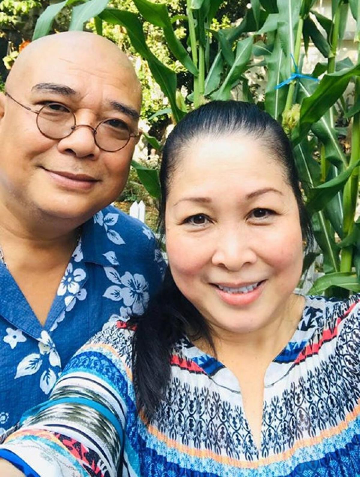 Tài tử Lê Tuấn Anh hạnh phúc bên bà xã Hồng Vân.