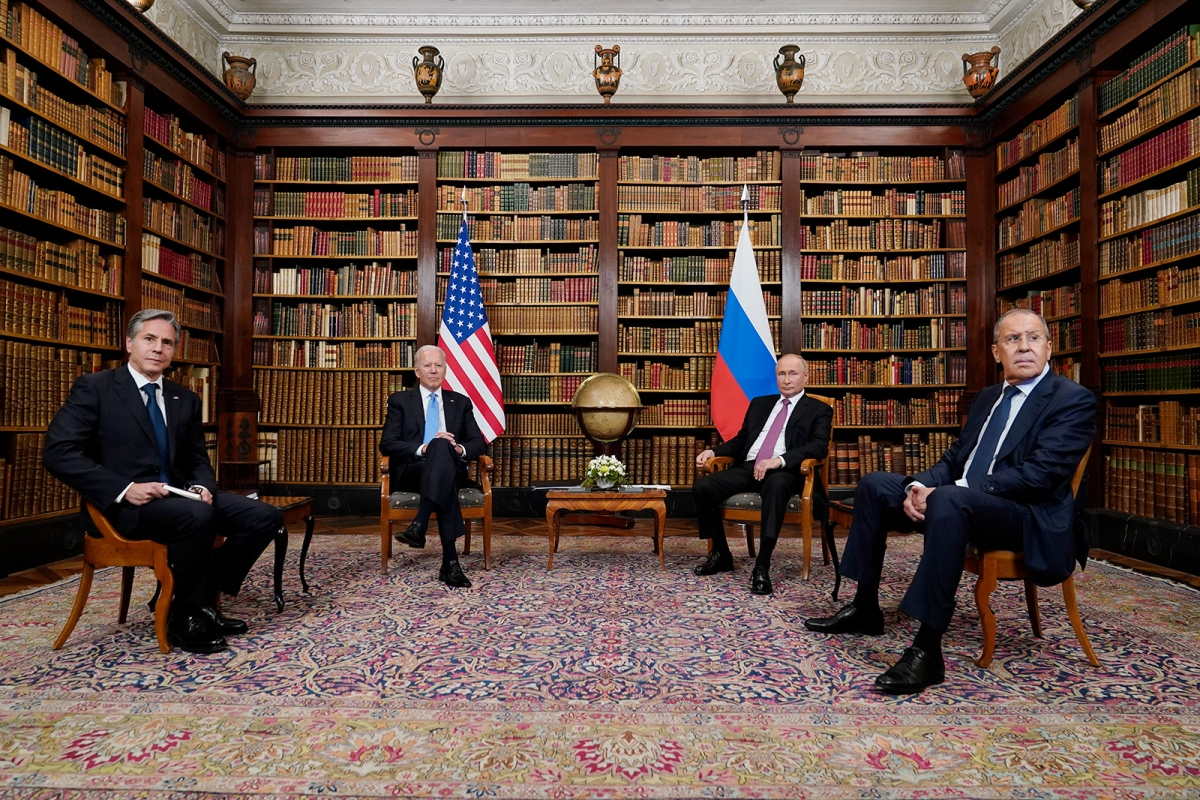 Hội nghị Thượng đỉnh Nga – Mỹ ở Geneva, Thụy Sĩ ngày 16/6. Ảnh: AP