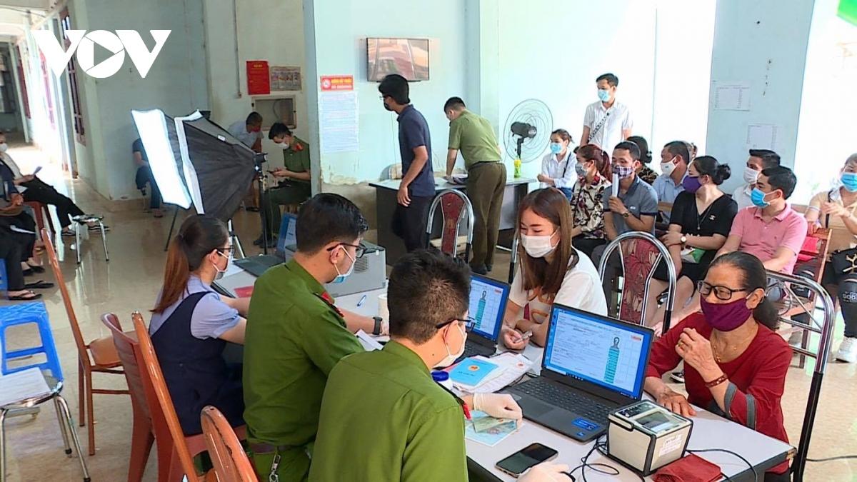 Triển khai cấp căn cước công dân tại thành phố Sơn La.