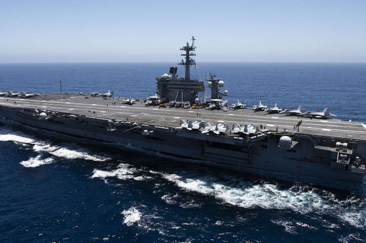 Tàu sân bay USS Theodore Roosevelt đi qua Thái Bình Dương. Ảnh: Hải quân Mỹ