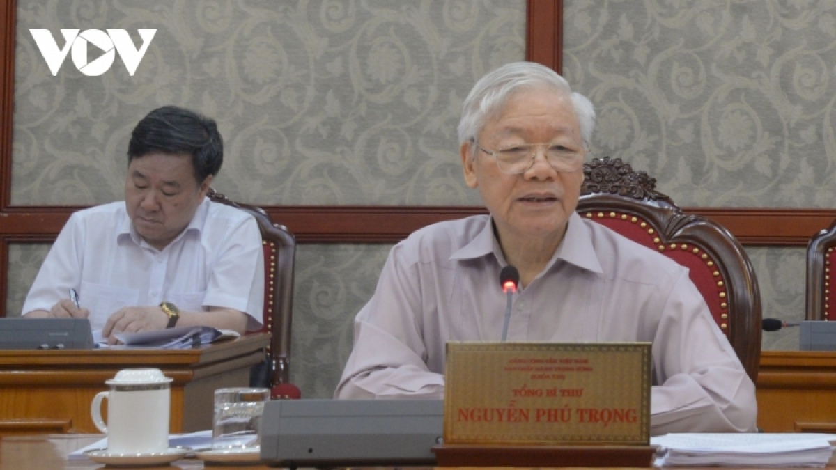 Party chief Nguyen Phu Trong asks for stronger measures to keep the fresh coronavirus outbreak in check.