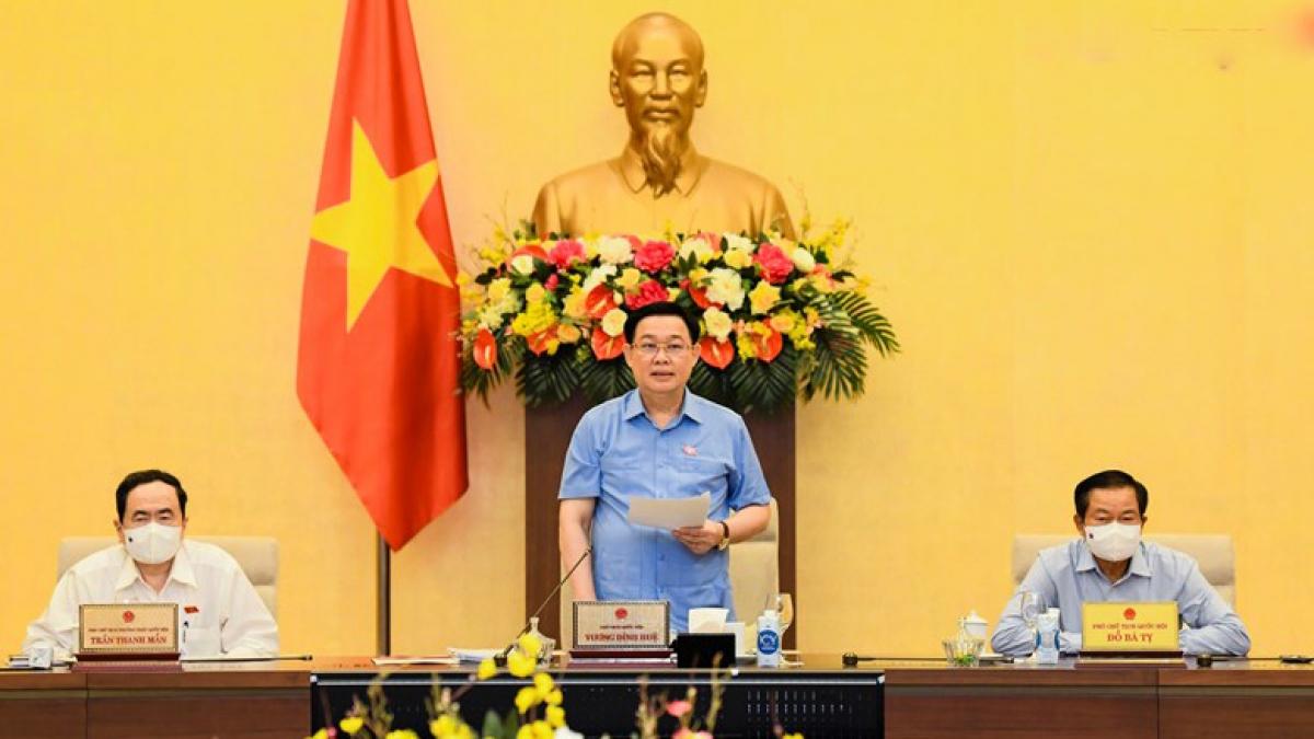 Chủ tịch Quốc hội Vương Đình Huệ đề nghị tăng cường kỷ cương, trách nhiệm công việc.