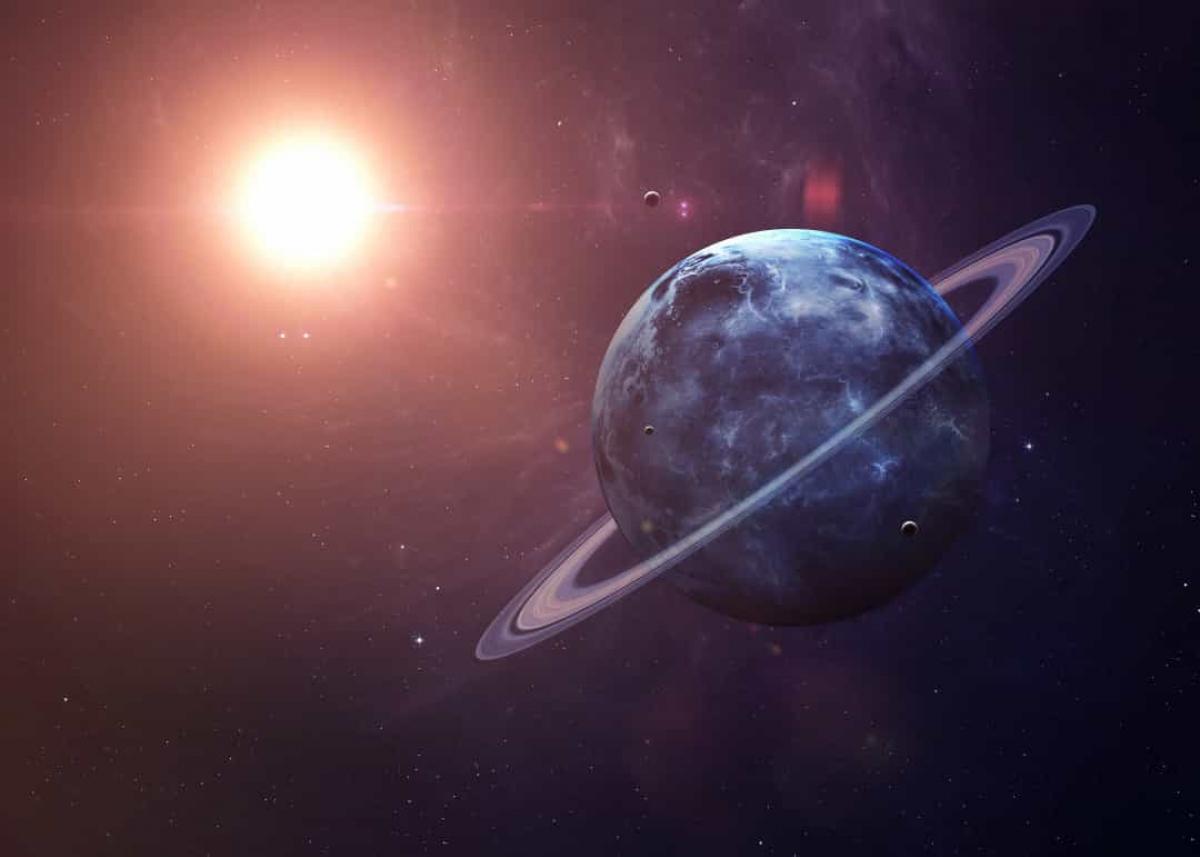 Sao Thiên Vương nằm cách Mặt Trời xấp xỉ 2,87 tỷ km.