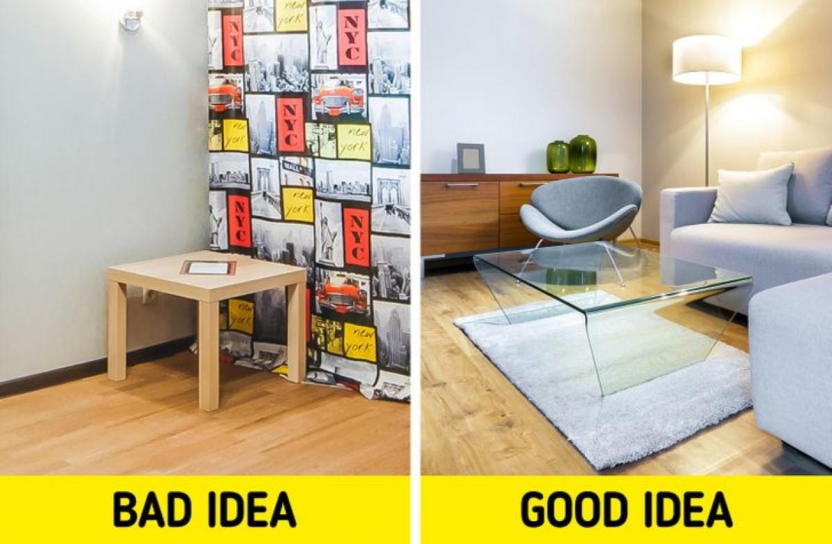 Đồ nội thất tối màu, nặng nề:Đồ nội thất bằng kính và các vật liệu trong suốt khác sẽ làm cho không gian của bạn trông lớn hơn.Ngoài ra, hãy mua những món đồ nội thất được làm bằng màu sáng hơn là màu tối.