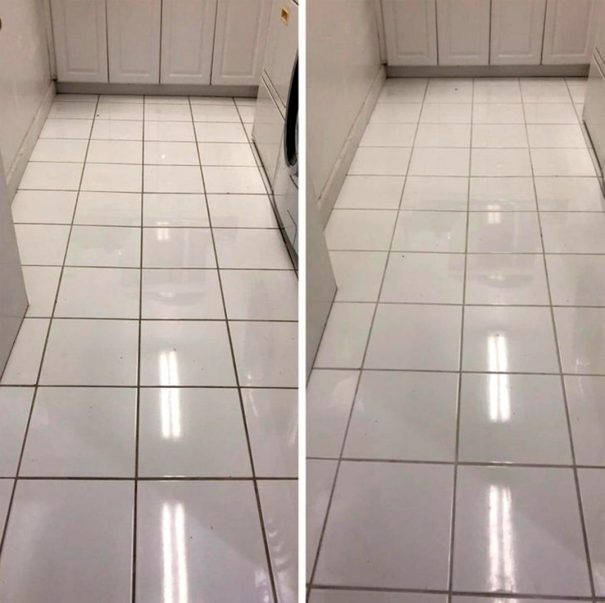 Chỉ cần nhìn vào các khe sàn nhà tắm cũng cảm nhận được sự khác biệt.