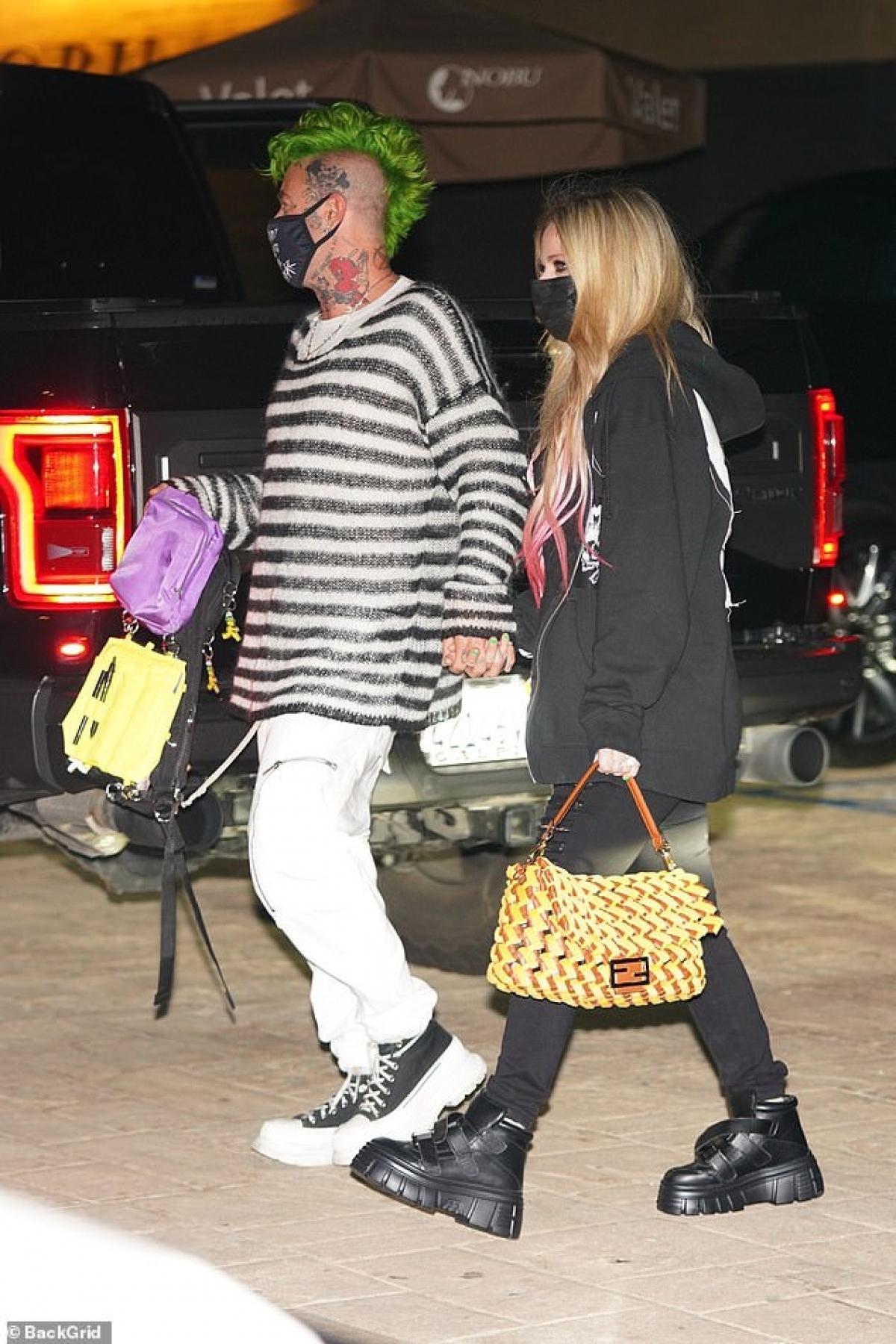 Ngoài ra, người đẹp Canada còn yêu nhiều người nổi tiếng khác như nhà sản xuất âm nhạc J.R. Rotem, ngôi sao truyền hình thực tế Brody Jenner (anh trai Kylie Jenner)./.