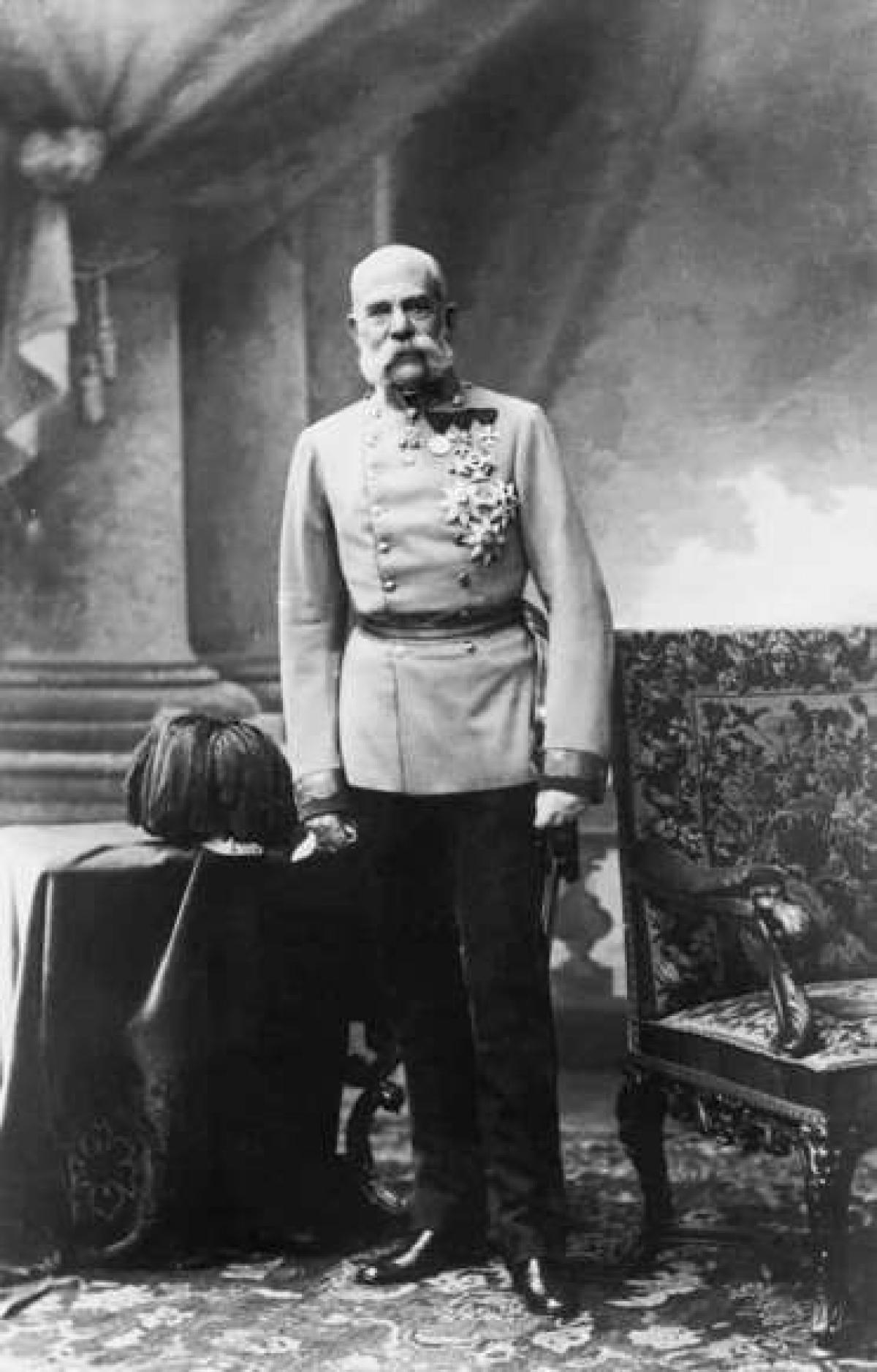 Franz Joseph I là Hoàng đế Áo từ năm 1848 tới năm 1916. Ông cai trị tới 68 năm, đứng thứ 3 trong danh sách các vua trị vì lâu nhất tại châu Âu (sauLouis XIV của PhápvàJohann II xứ Liechtenstein) và lâu hơnNữ hoàngVictoria của Anh4 năm.
