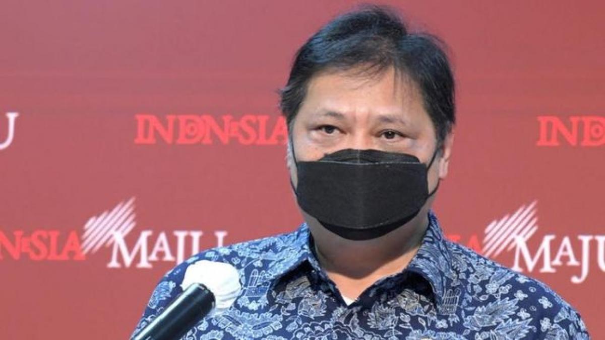 Bộ trưởng Điều phối Kinh tế Indonesia, ông Airlangga Hartarto truyền đạt các chính sách thắt chặt của Indonesia. (Nguồn: Văn phòng Tổng thống Indonesia)