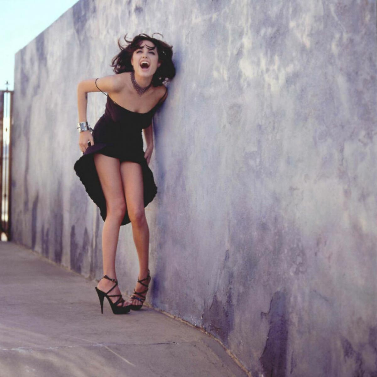 Ngôi sao hạng A Hollywood tỏ ra không hề e dè trước ống kính khi cô khoe dáng trong những bộ cánh quyến rũ.