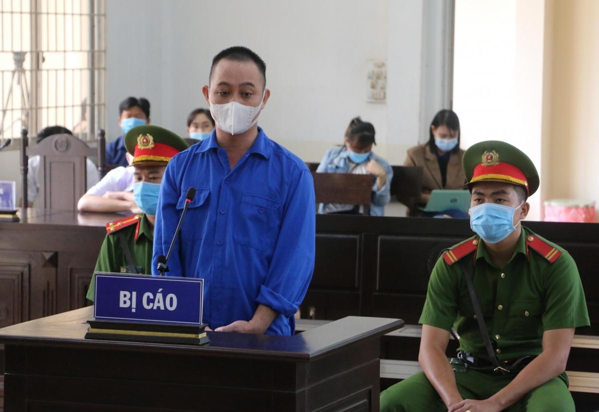 Bị cáo Nguyễn Văn Út tại tòa.