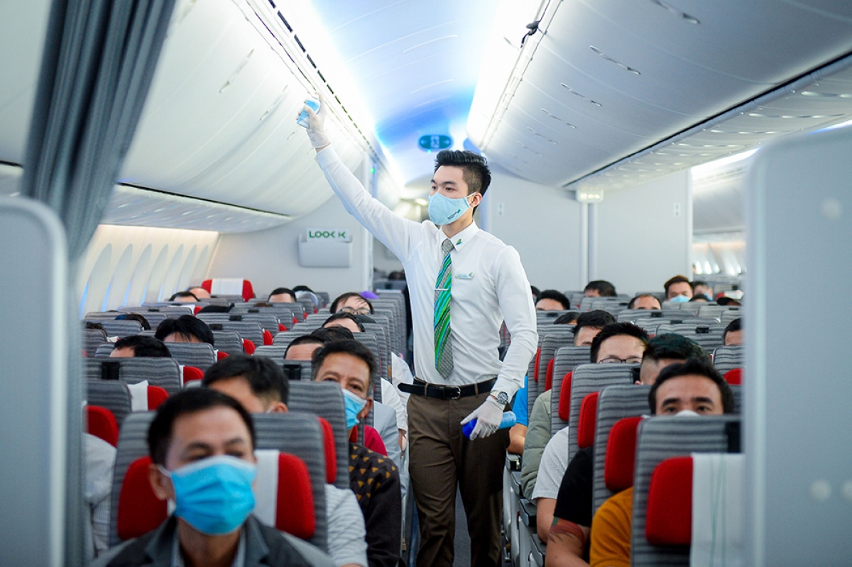 Với quy trình phòng chống dịch hiệu quả, Bamboo Airways được trang AirlineRatings xếp hạng 7/7 sao về phòng chống Covid-19