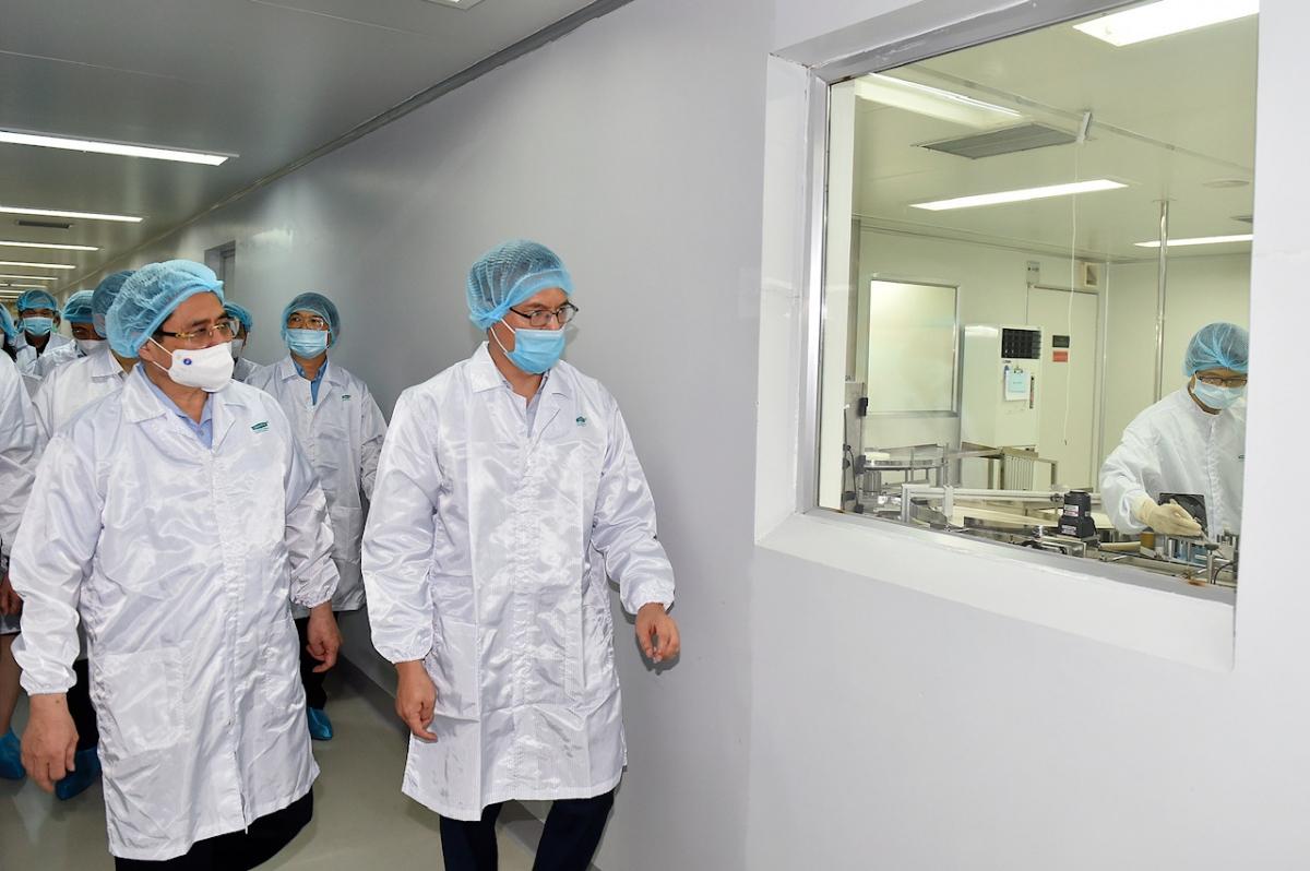 VABIOTECH trực thuộc Viện Vệ sinh dịch tễ TW là công ty trong lĩnh vực nghiên cứu, sản xuất và kinh doanh vaccine, sinh phẩm cho người ở Việt Nam với cơ sở sản xuất đạt tiêu chuẩn. Ảnh VGP/Nhật Bắc.