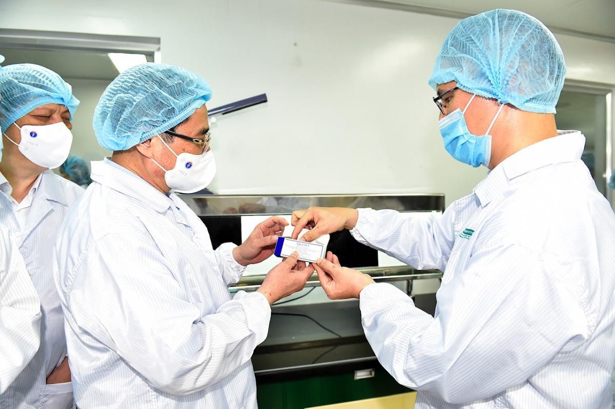 Hiện tại VABIOTECH sản xuất và kinh doanh 4 sản phẩm chính là vaccine viêm gan A, viêm gan B, viêm não Nhật Bản, vaccine Tả uống. Ảnh VGP/Nhật Bắc.