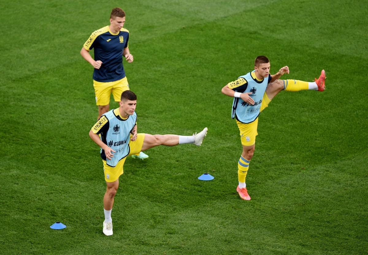 Một số hình ảnh trước trận đấu trên sân vận động quốc gia Romania. (Ảnh:Reuters).