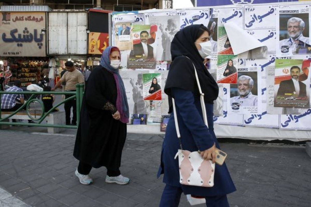 Việc ai trở thành tổng thống mới của Iran sẽ ít nhiều tác động tới cuộc đàm phán hạt nhân với Mỹ và phương Tây cũng như đường lối chính sách kinh tế của Iran trong thời gian tới. Ảnh: WSJ