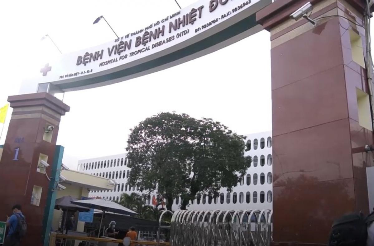 Bệnh viện Bệnh Nhiệt đới TP.HCM phong tỏa chiều 12/6.