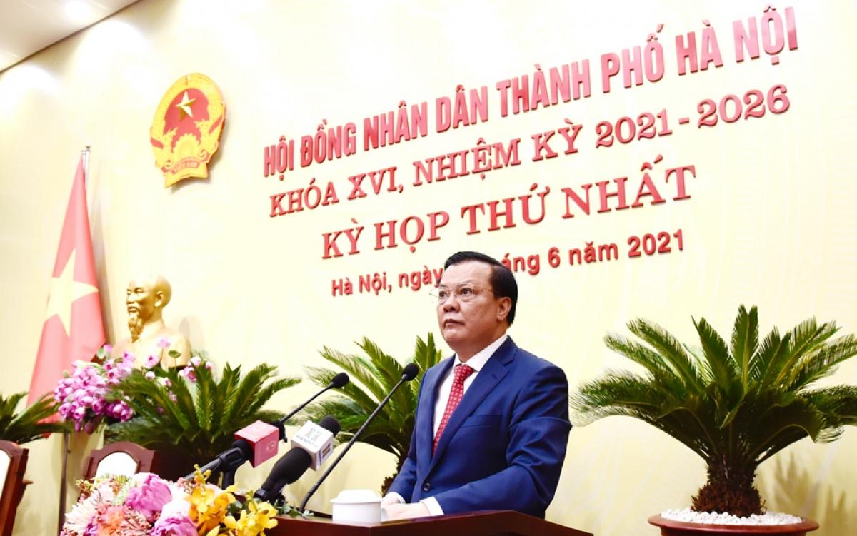 Bí thư Thành uỷ Hà Nội Đinh Tiến Dũng phát biểu chỉ đạo.