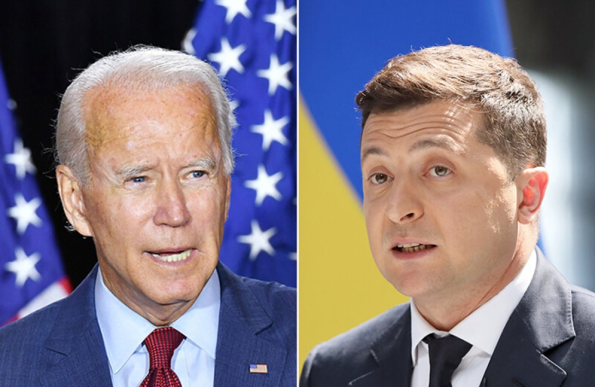 Tổng thống Biden đã trao đổi với Tổng thống Ukraine Zelensky qua điện thoại trước khi lên đường công du châu Âu hồi tuần trước. Ảnh: Kiev Post