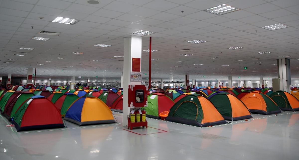 Sở Xây dựng tỉnh Bắc Ninh yêu cầu: Việc chuyển đổi công năng một số khu vực làm nơi ở tạm phải tách biệt nơi làm việc và đảm bảo điều kiện về diện tích sử dụng (bình quân không nhỏ hơn 5m2/người).