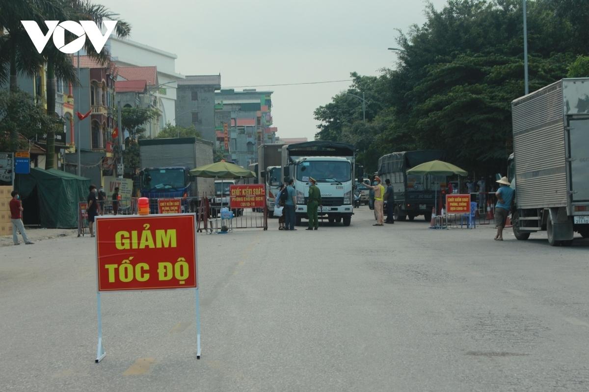 Những chốt kiểm soát dịch trên địa bàn huyện Thuận Thành.