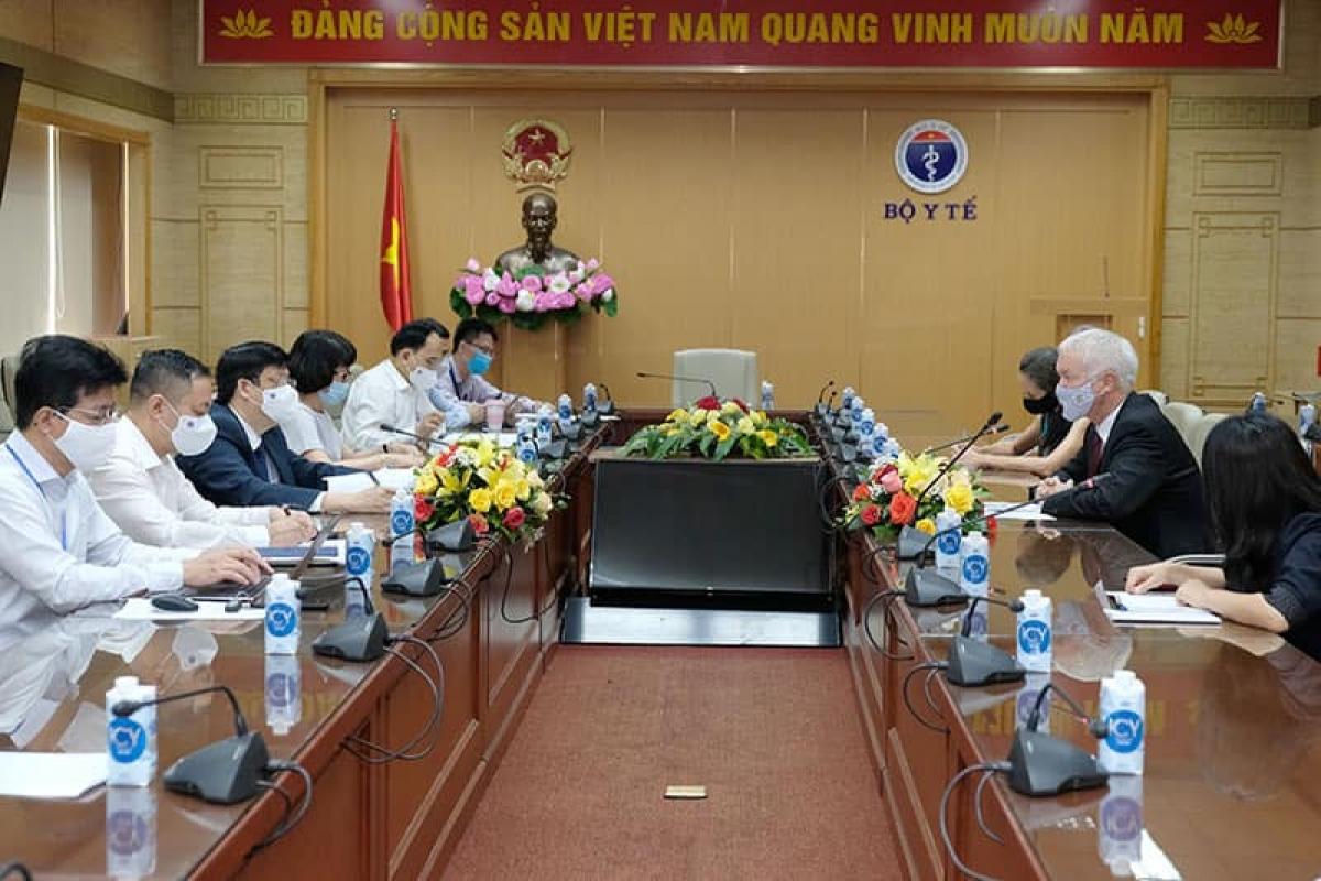 Bộ trưởng Nguyễn Thanh Long tiếp các đại sứ. (Ảnh: Trần Minh)