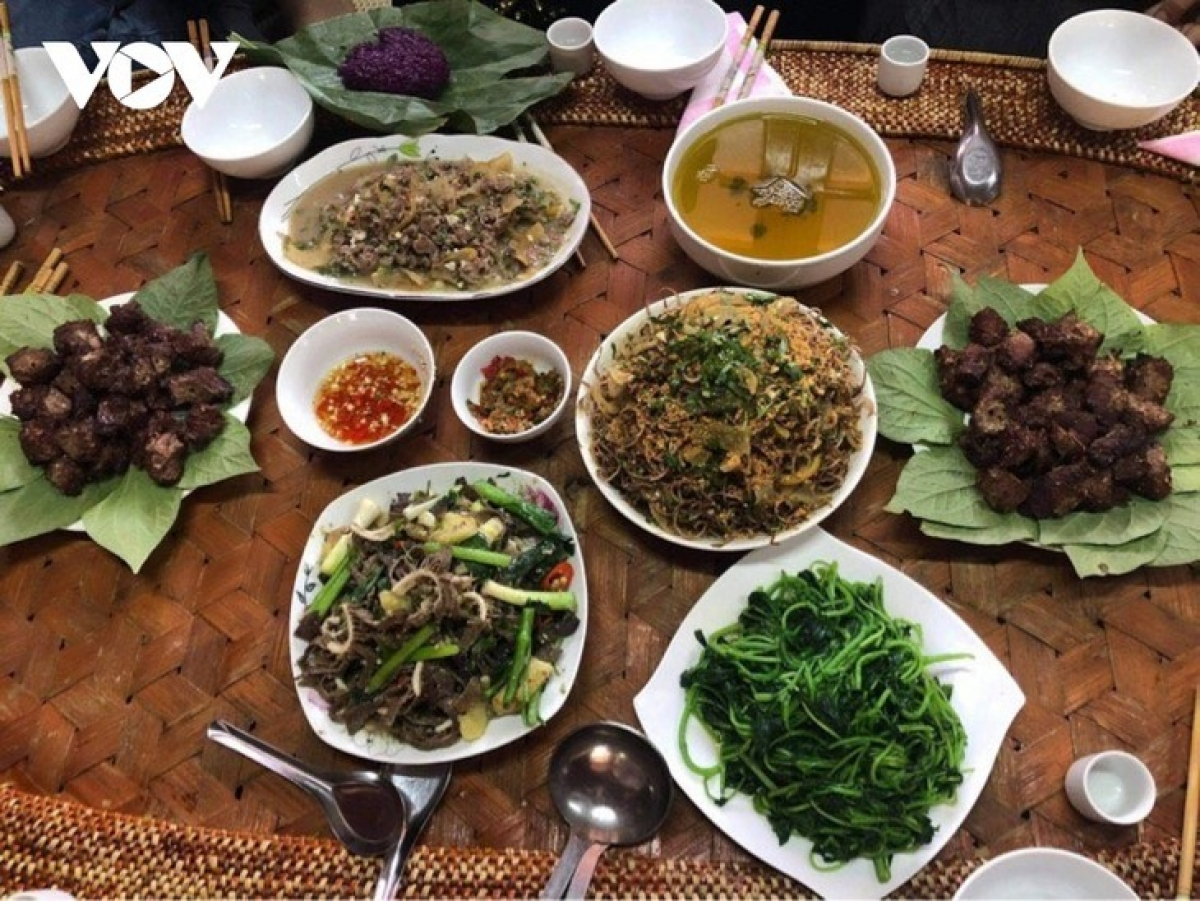 Buffalo meat dishes of the Thai ethnic group.