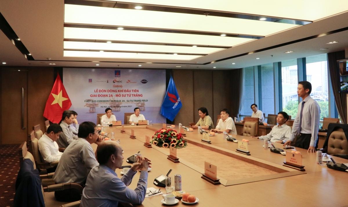 Các đại biểu tham dự tại đầu cầu Hà Nội.