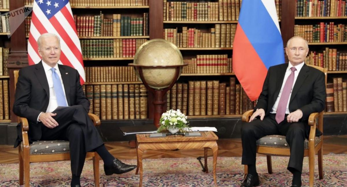 """Tổng thống Mỹ Joe Biden và Tổng thống Nga Vladimir Putin trong <a href=""""/the-gioi/quan-sat/nhung-van-de-gi-se-duoc-thao-luan-tai-thuong-dinh-biden-putin-866330.vov"""">cuộc gặp thượng đỉnh ở Geneva</a>, Thụy Sỹ ngày 16/6/2021. Ảnh: Sputnik"""