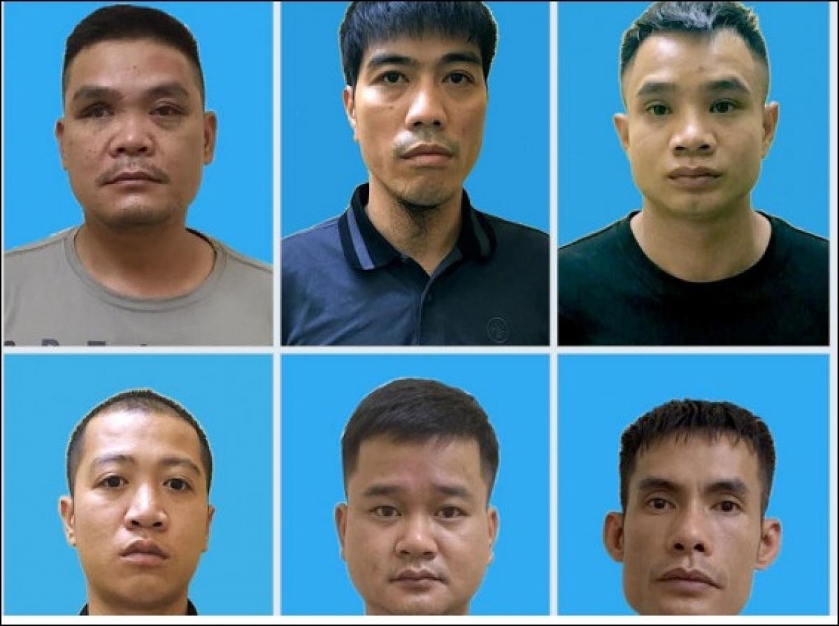 Nguyễn Việt Dũng (hàng trên ở giữa) cùng các đàn em