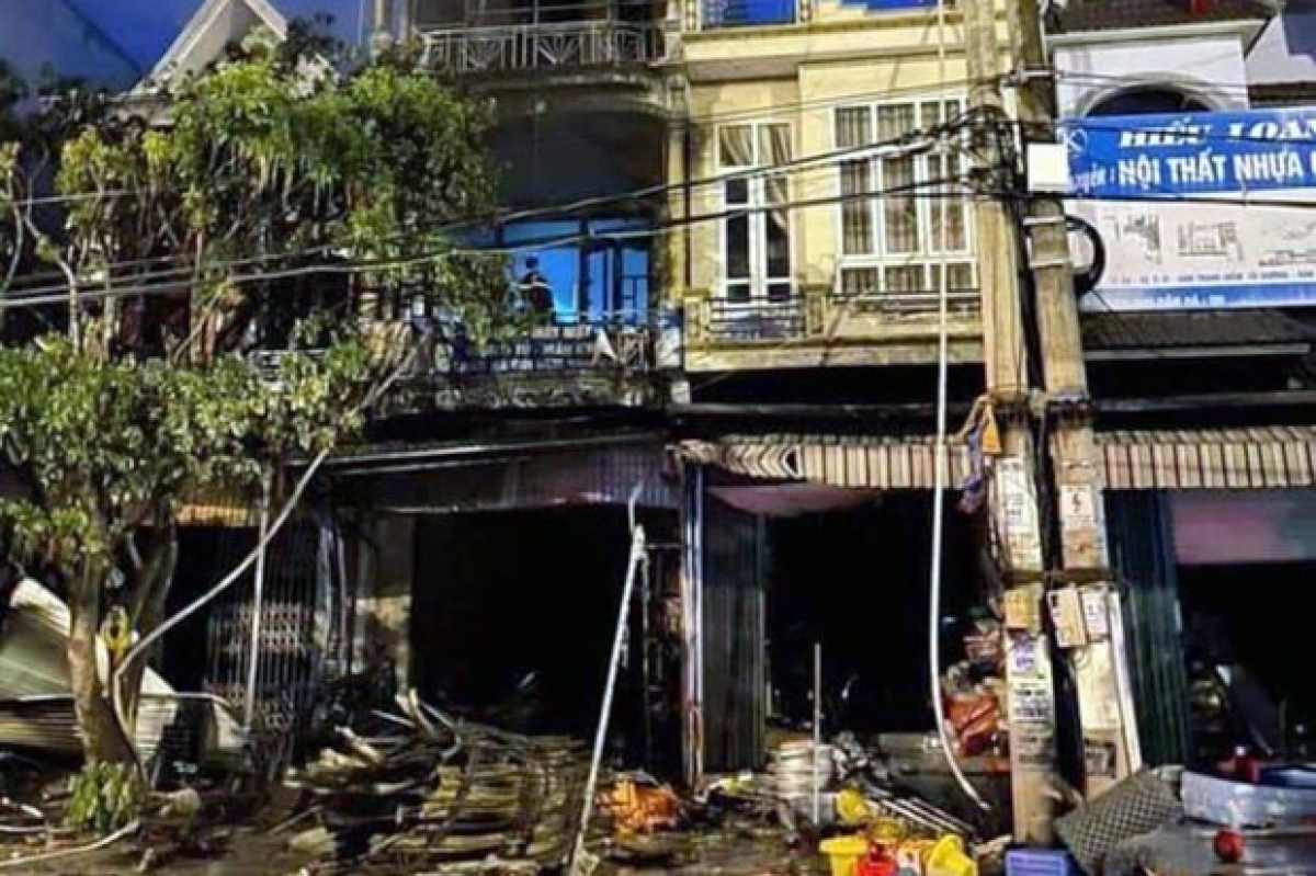 At the scene of the fire (Photo: Vietnamnet)