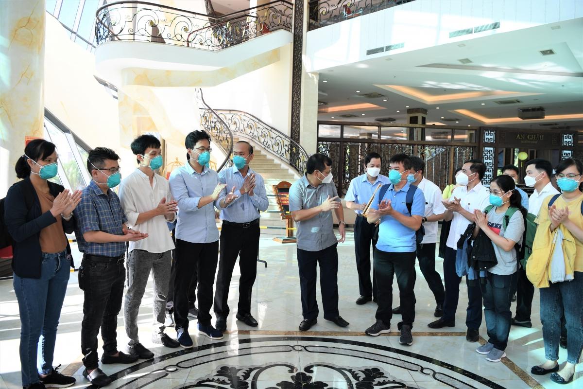 Lãnh đạo tỉnh Bắc Giang chia tayĐội phản ứng nhanh bệnh viện Chợ Rẫy.