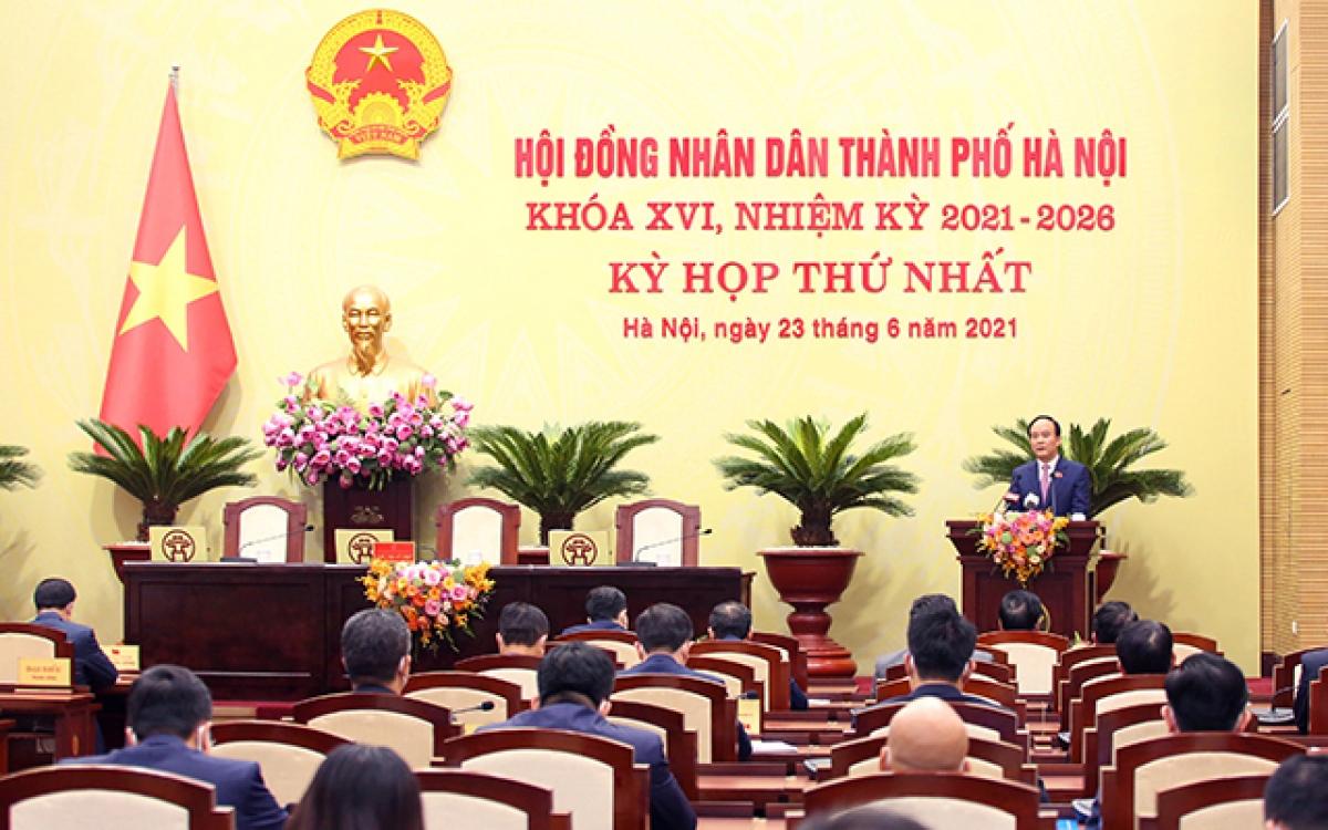Chủ tịch HĐND TP Nguyễn Ngọc Tuấn phát biểu khai mạc kỳ họp thứ nhất HĐND Thành phố Hà Nội khoá XVI.