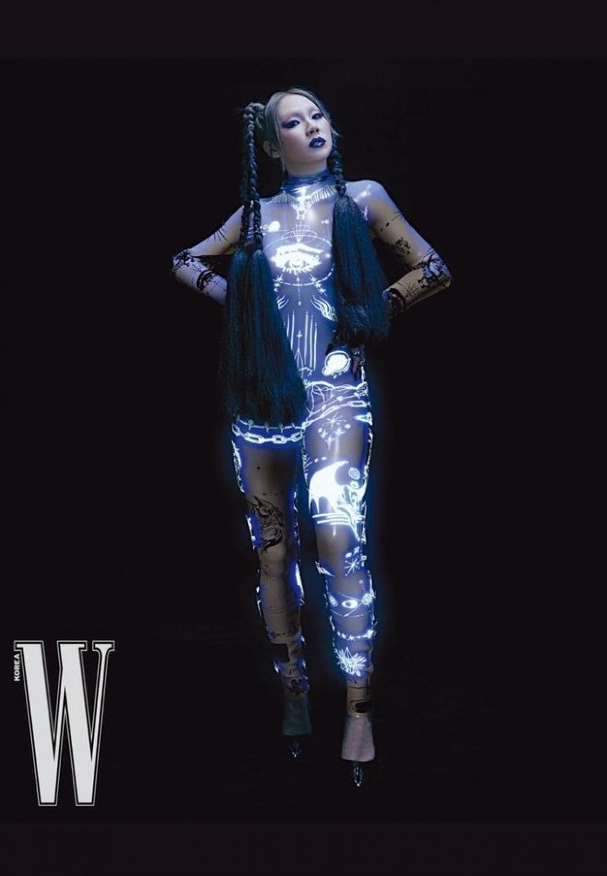Người hâm mộ nhận xét CL trông vẫn thu hút bất kể cân nặng và khen ngợi thần thái của cô.