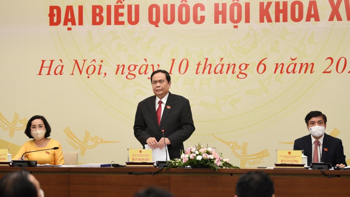 Phó Chủ tịch thường trực Quốc hội Trần Thanh Mẫn trả lời báo chítại cuộc họp báo công bố Nghị quyết của Hội đồng Bầu cử Quốc gia về kết quả bầu cử và danh sách những người trúng cử đại biểu Quốc hội khoá XV, diễn ra chiều 10/6. Ảnh: Thi Uyên