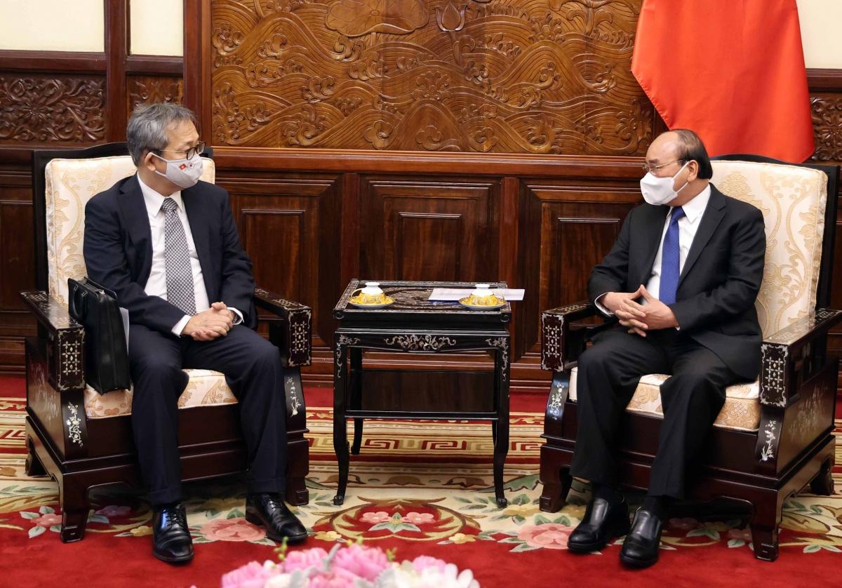Chủ tịch nước Nguyễn Xuân Phúc tiếp Đại sứ Nhật Bản Yamada Takio (Ảnh: Thống Nhất – TTXVN)