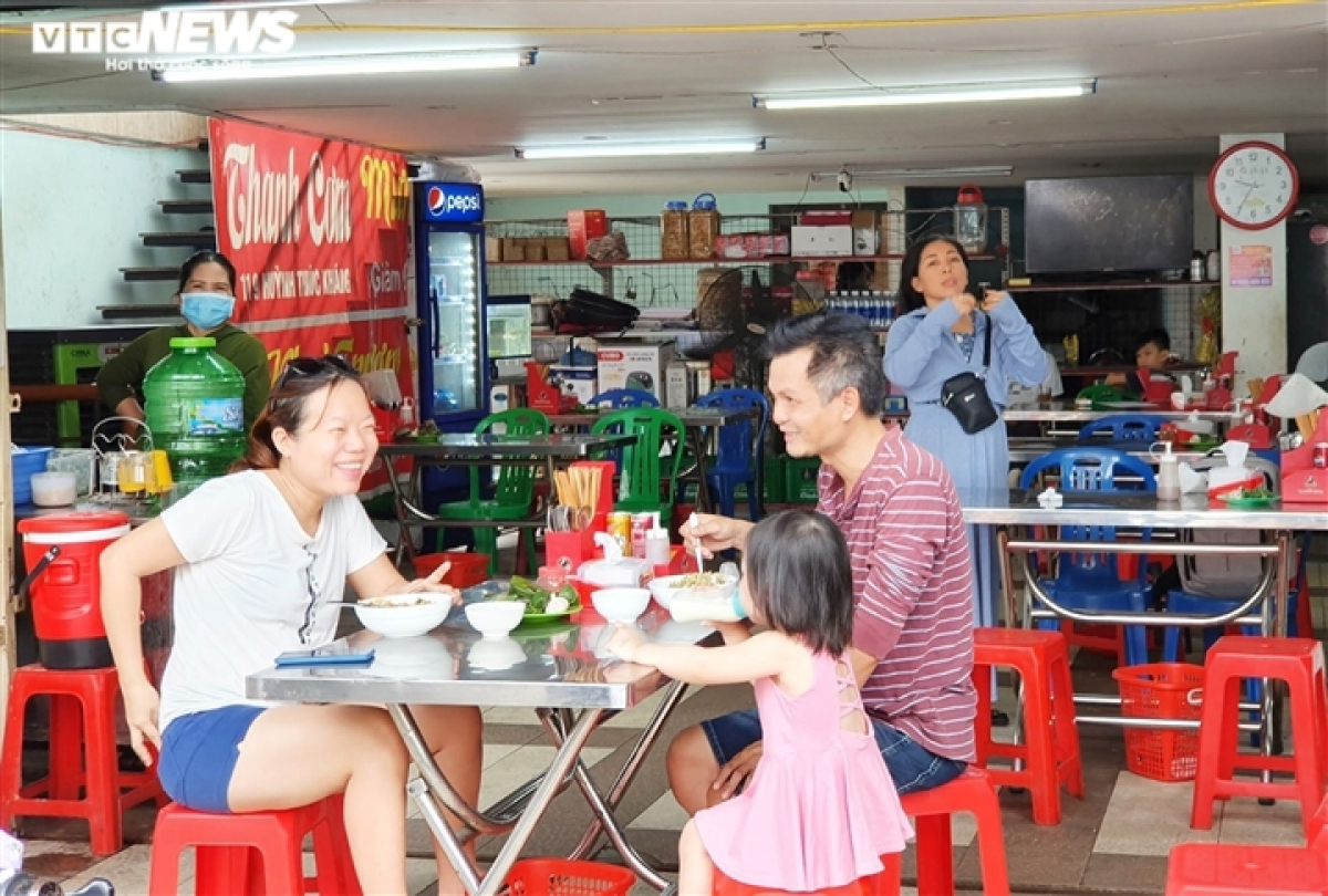 Locals are happy to be able to enjoy breakfast on site as opposed to takeaways as previously.