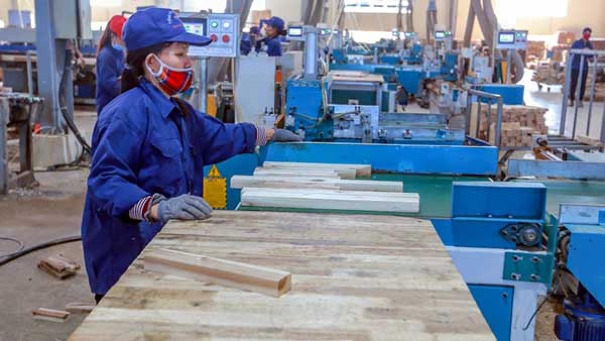 Chỉ số sản xuất công nghiệp đang ở mức cao hơn so với kế hoạch, 5 tháng tăng 9,9% trong khi kế hoạch đề ra là 8%.