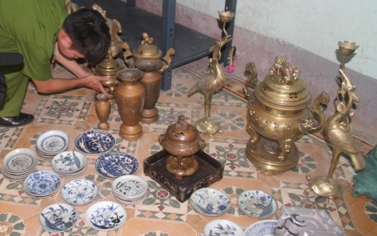 Một vụ mất trộm cổ vật được phát hiện.